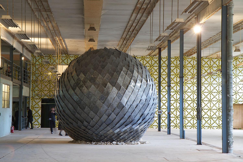 Una misteriosa bola